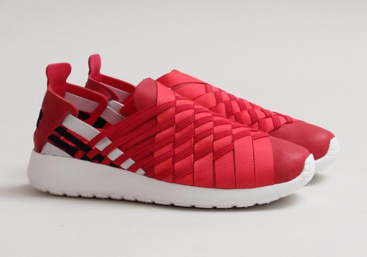 Nike Womens Rosherun Roshe Run Woven 2.0 Legion Red Black
