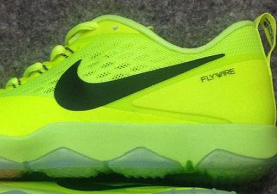 Nike Zoom Hypercross Sample