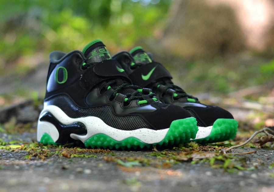 "ca75783a94 Nike Zoom Turf ""Oregon Ducks"" - Available - SneakerNews.com"
