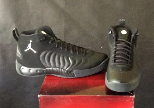 Terrell Owens Is Selling His Team Jordan Sneaker Collection