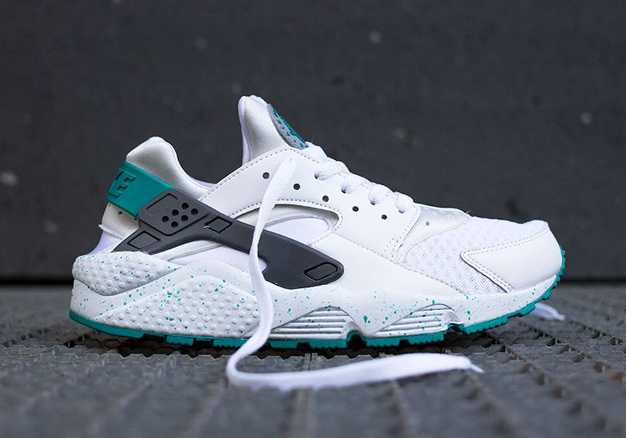 nike huarache white and green