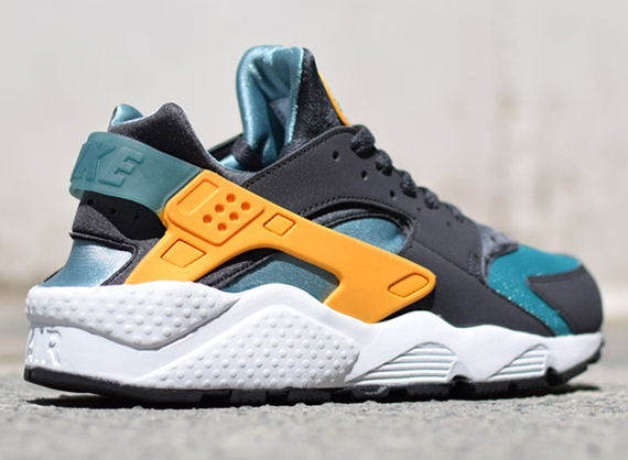 hot sale online 0bb8b 3516b Nike Air Huarache – Teal – Orange