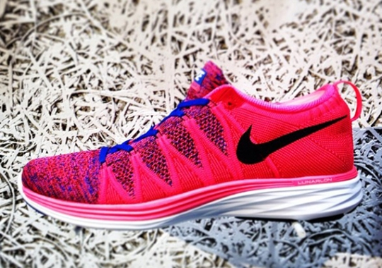 Nike Flyknit Lunar2 – Pink – Royal Blue