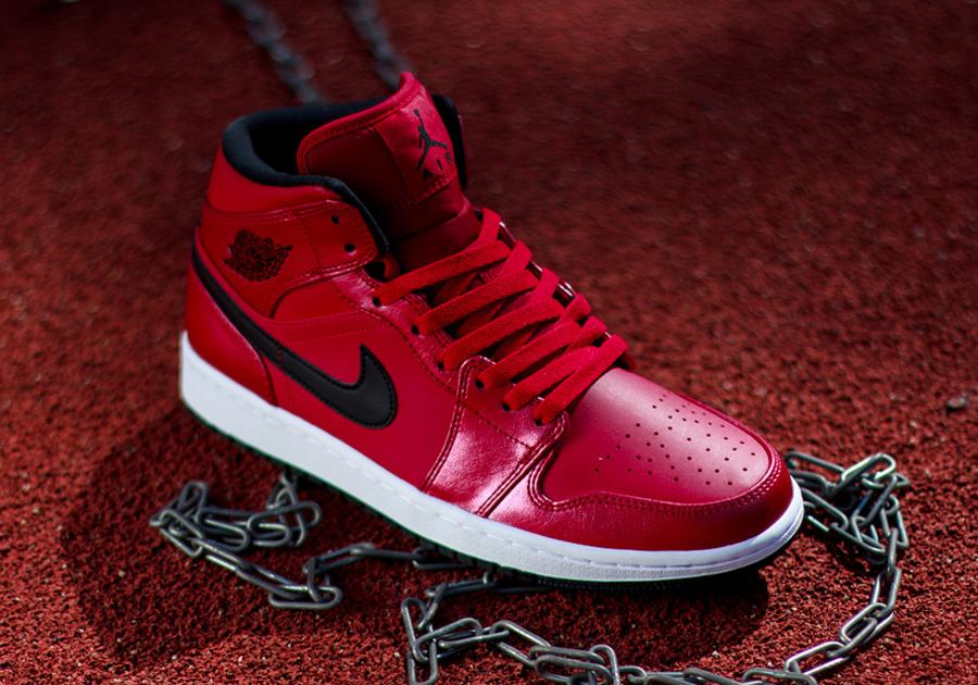 Air Jordan 1 Mid - Gym Red - Black - White