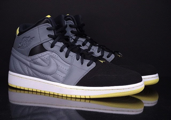 "Air Jordan 1 Retro '99 ""Vibrant Yellow"" - SneakerNews.com"