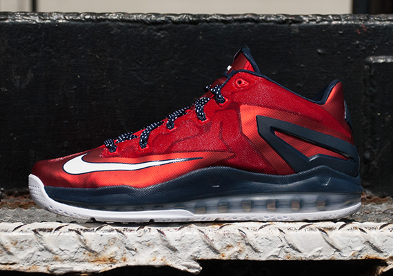 "get cheap abd0f 636d6 ""Independence Day"" Nike LeBron 11 Low"