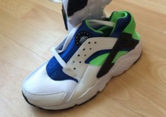 "Nike Air Huarache ""Scream Green"" - 2014 Sample"