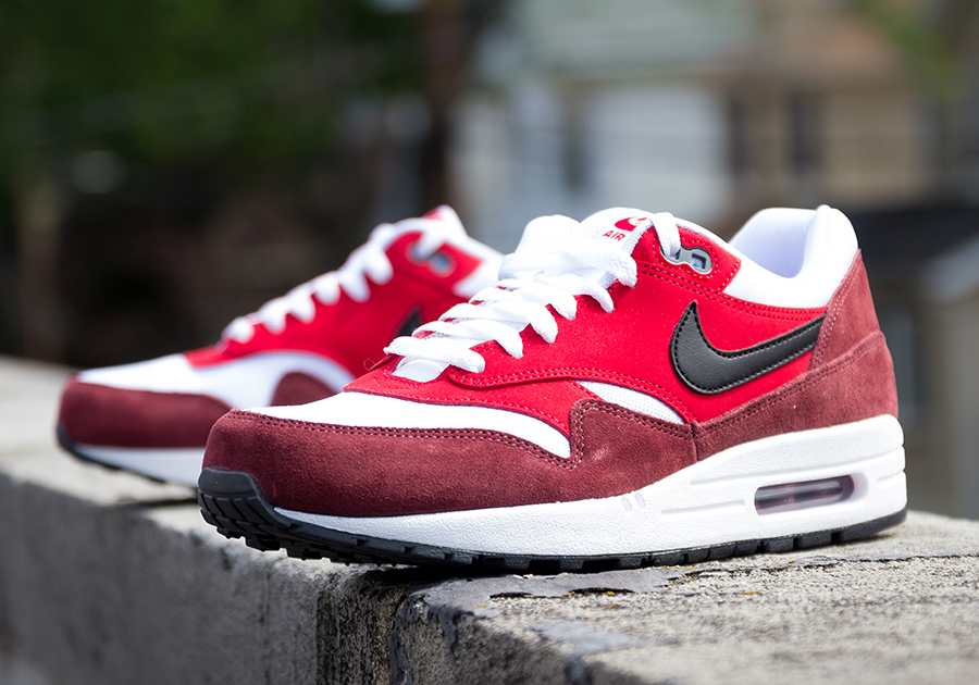 nike air max 1 red suede pumps