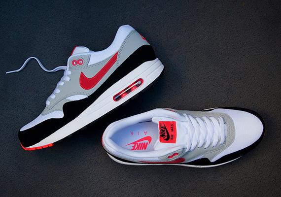 Cheap Nike Air Max 180 (Black/Laser Crimson Dusty Cactus