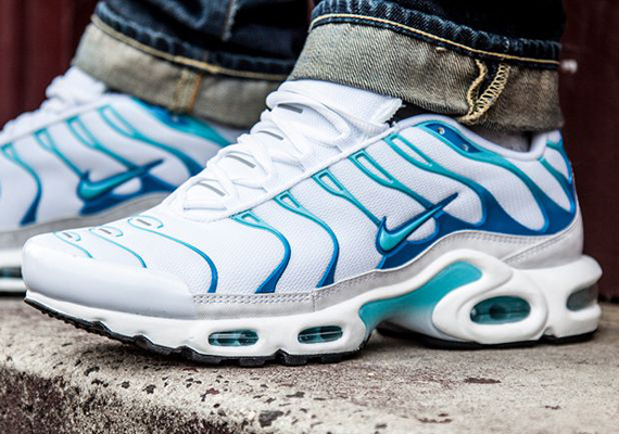 """new concept bdcc9 f5be5 The Nike Air Max Plus is no stranger to gradients forming on the  ever-unique side panels, so this newest release in this outstanding """"Dream""""  colorway ..."""