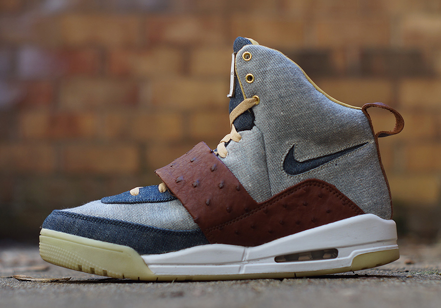 new arrival 03f0c 68550 Nike Air Yeezy