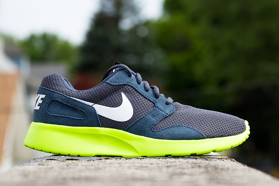 Nike Kaishi Run Shoe Black White New Release