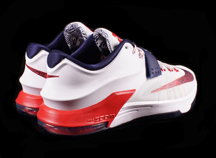 pretty nice e60dd 87115 Nike KD 7