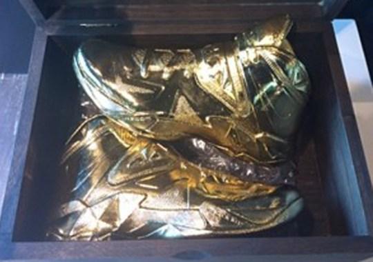 "Nike LeBron Soldier 7 ""Gold"" PE for Tina Thompson"