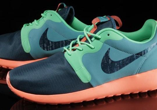 Nike Roshe Run Hyperfuse – Catalina – Space Blue – Poison Green – Hyper Crimson