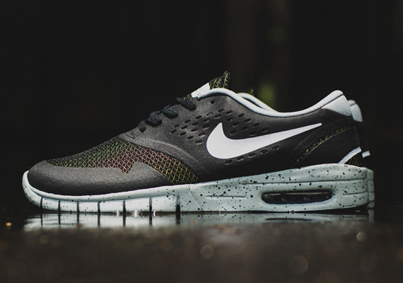 "ff844cc56c15 The Nike Koston 2 Max has had a strong start to the summer with head  turning editions like the ""Light Crimson"" pair that brought an unaccustomed  buzz to the ..."