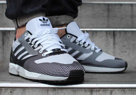 Adidas ZX Flux (Core Black & Dark Grey) End