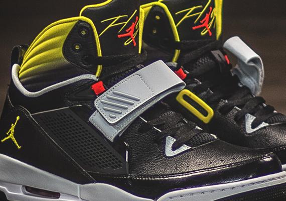 Jordan Flight '97 - SneakerNews.com