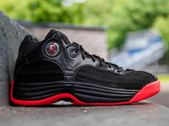 4d233831830468 Jordan Jumpman Team 1 - Black - Infrared 23 - SneakerNews.com