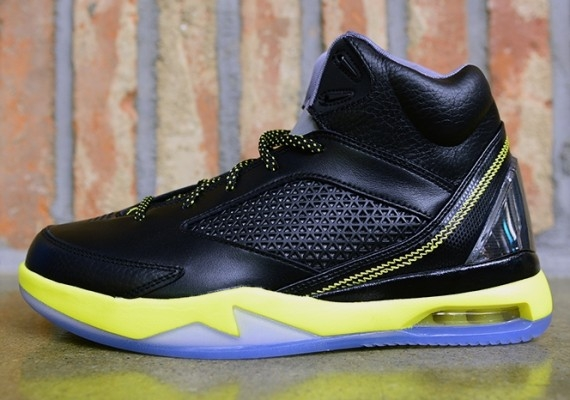Nike Air Jordan Chaussures Vol Remix - Balle Noir / Jaune Vibrant