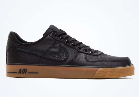 nike air force one ac black gum leaves