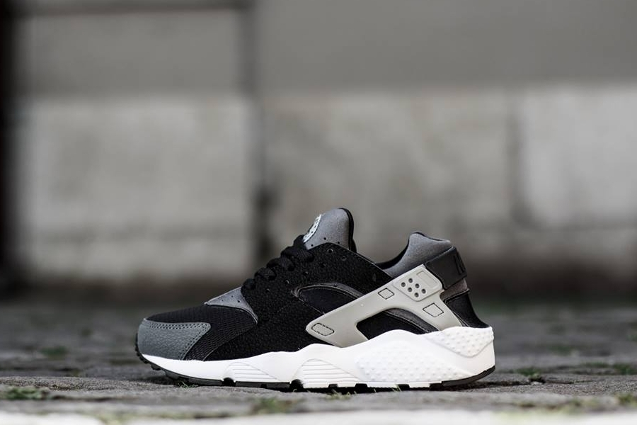 Nike Air Huarache GS - Black - Grey - White - SneakerNews.com 72d95f36d8