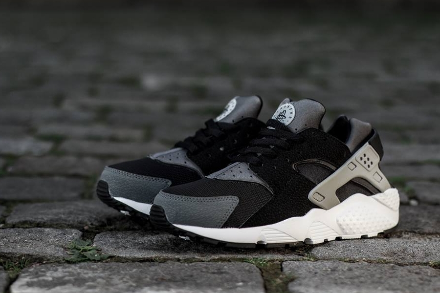 Nike Huarache Dark Grey White