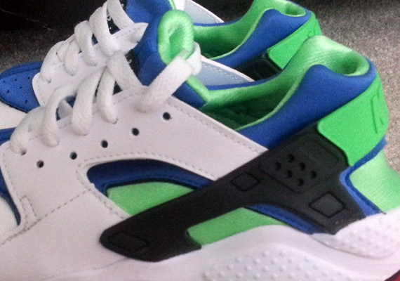 "The Nike Air Huarache ""Scream Green"" has long been one of the most  anticipated pairs as far as Nike Huaraches for this year are concerned. 7aa00b27d"