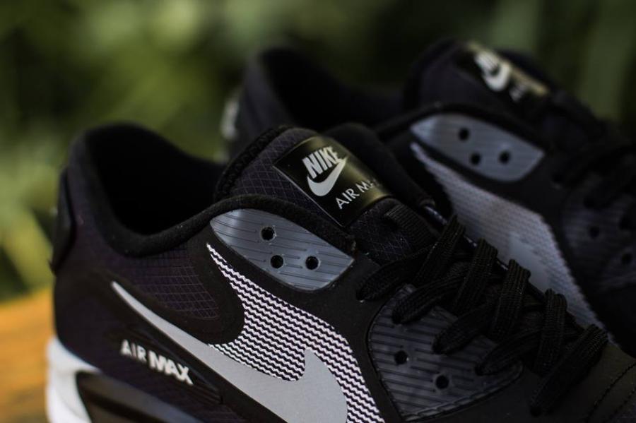 Nike Air Max Lunar90 Water Resistant - SneakerNews.com