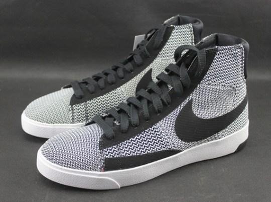 Nike Blazer Lux TXT – White – Black – Team Orange