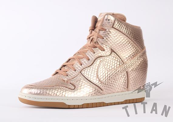 Women's Nike Wmns Dunk Sky Hi Print Med Orewood Brown Sneakers : O3a6213