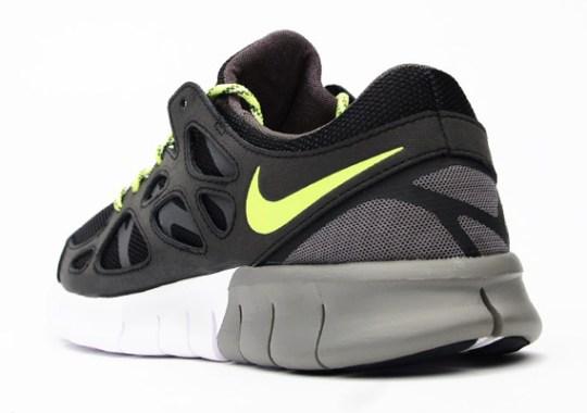 Nike Free Run 2 – Black – Medium Ash – Volt