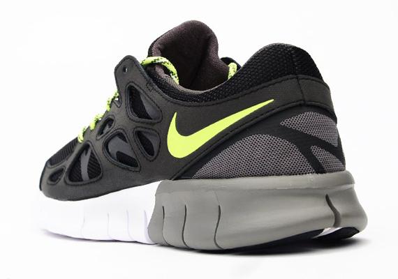 low priced 43c4e d611c Nike Free Run 2 – Black – Medium Ash – Volt