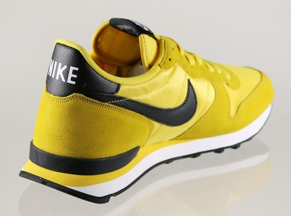 Black Yellow Nike Shoes
