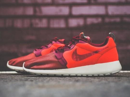 Nike Roshe Run Hyperfuse Team Red – Hyper Jade
