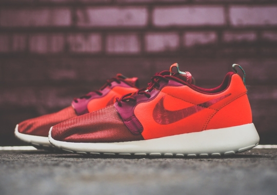 Nike Roshe Run Hyperfuse Team Red – Hyper Jade