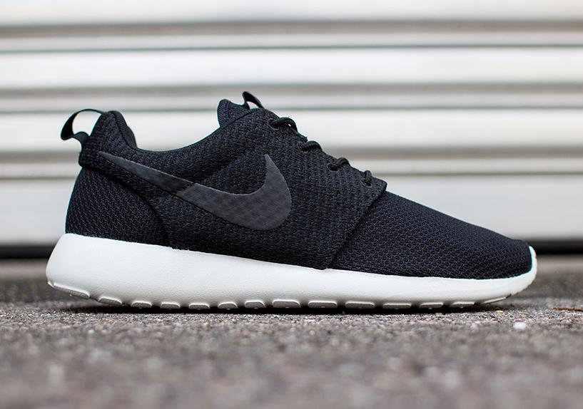 finest selection 469c5 c5ff1 Nike Roshe Run - Black - Light Ash Grey - White - SneakerNews.com