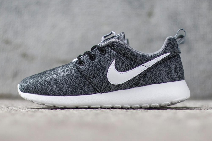 quality design 7fe3a 8c152 Nike Roshe Run Print Color BlackWhite-Anthracite-Cool Grey Style Code  677782-001