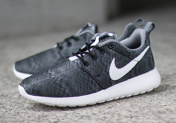super popular 26ca3 a02e1 The Nike Roshe Run has got another GS pair that might make the  bigger-footed folk jealous. The pair brings some more graphics into the  mix, ...