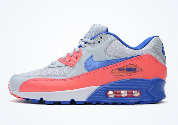 purchase cheap 30649 5a7de Nike WMNS Air Max 90 – Light Magnet Grey – Hyper Cobalt – Hyper Pink