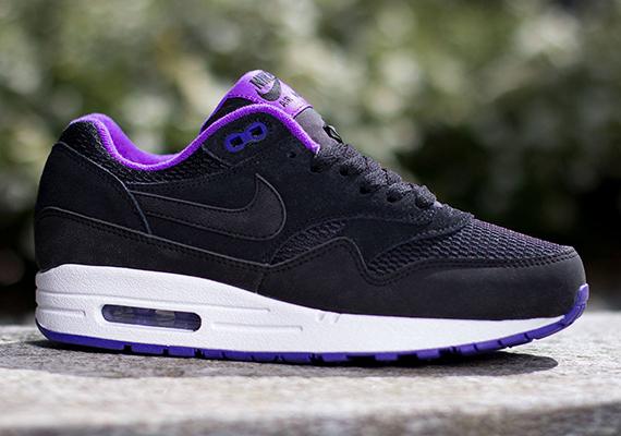 Nike Womens Air Max 1 Essential Black Hyper Grape