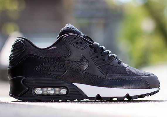Nike Womens Air Max 90 Black Anthracite Metallic