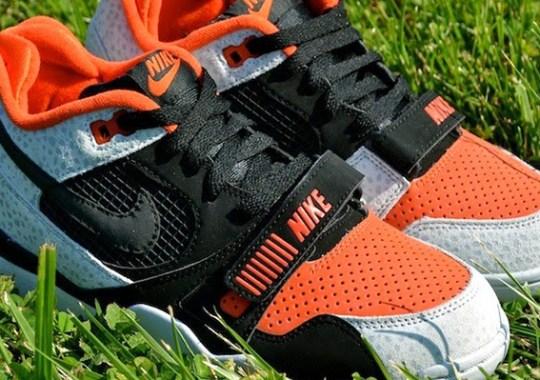 """Nike Air Trainer 2 """"Barry Sanders"""" – Arriving at Retailers"""