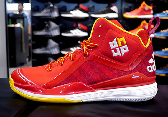 buy popular 8638c f1cde With all of the elite-level guards that adidas Hoops employs its easy to  forget that they have a superstar like Dwight Howard anchoring down the  center of ...