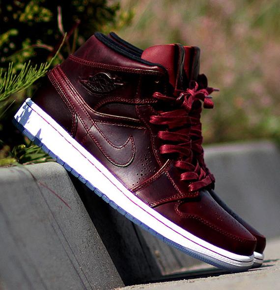 Air Jordan 1 Équipe De Mi Nouveau Couleur Rouge k1rYTlAE9