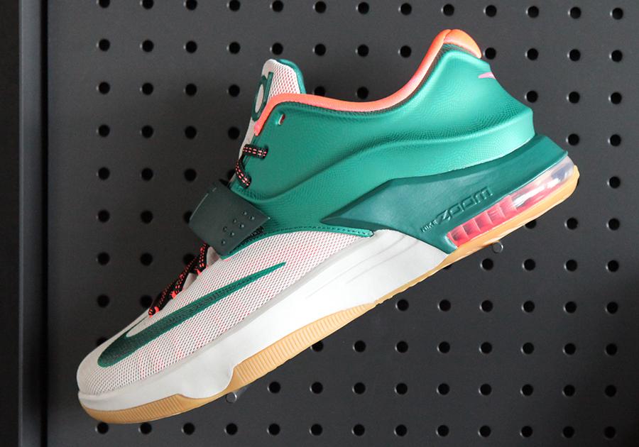 finest selection bd492 59ac8 Nike KD 7