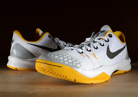 Nike Zoom Kobe Venomenon 4 – White – University Gold – Wolf Grey