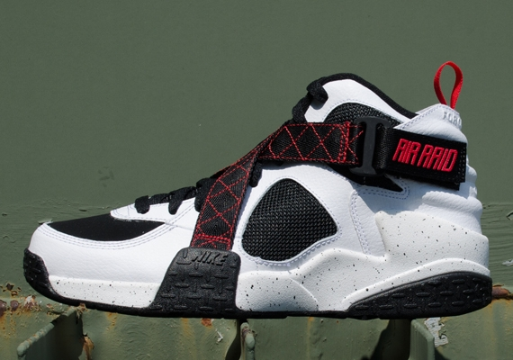Yet another Nike Air Raid colorway will be impacting this weekend. On the  way is this pair, which does a bit of a better job situating the shoes in  their ...
