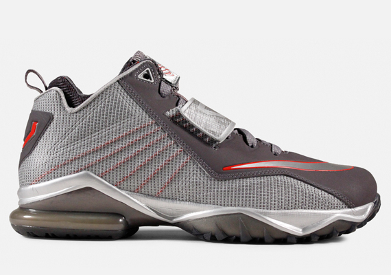 Nike Zoom CJ Trainer 2 – Metallic Dark Grey – Metallic Silver – University  Red