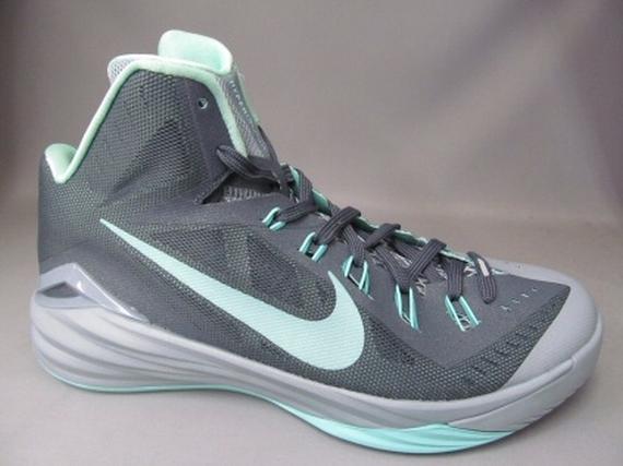 the latest 182fa a6385 Nike Hyperdunk 2014. Style Code  653650-030